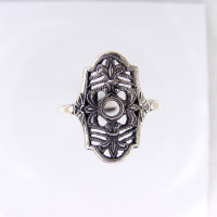 120bbr | Antique Filigree Ring | for a .10ct to .15ct round stone | Fleur De Lis<Br>$669