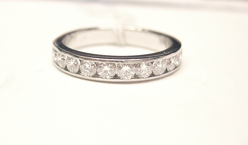 Platinum Wedding Band - 11 Round Side Diamonds