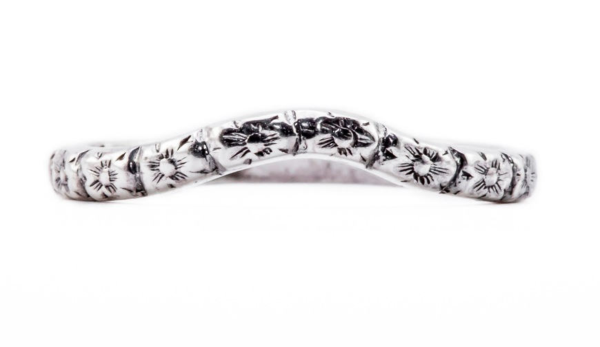 wb043bbr | Antique Filigree Wedding Band | Curved and Engraved | Flower and Ray Petals