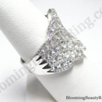 round diamond and white gold fashion ring
